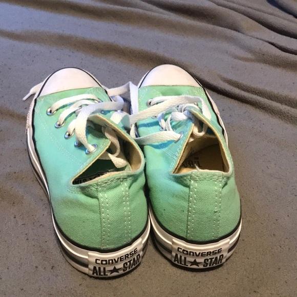 Converse Shoes   Size 4 Mens Size 6